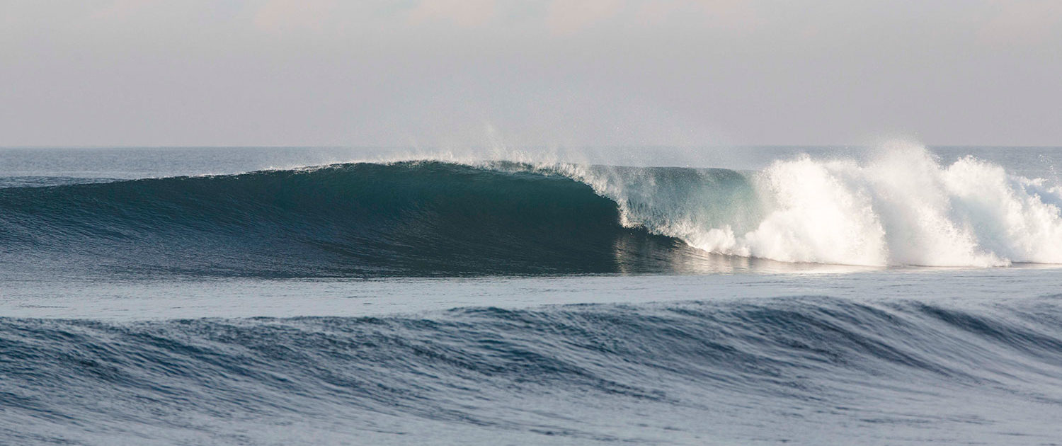 Perfect right handers in Bali